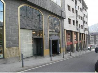 Alquilar L-Comercial Escaldes-Engordany Andorra : 550 m2, 5 500 EUR
