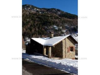 Buy House Les Salines Andorra : 500 m2, 750 000 EUR