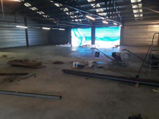 Rent warehouse Aixovall Andorra : 408 m2, 4 000 EUR